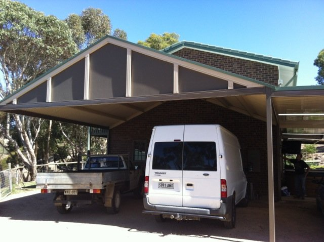Metal carport at Strathalbyn by Outside Concepts Eastern